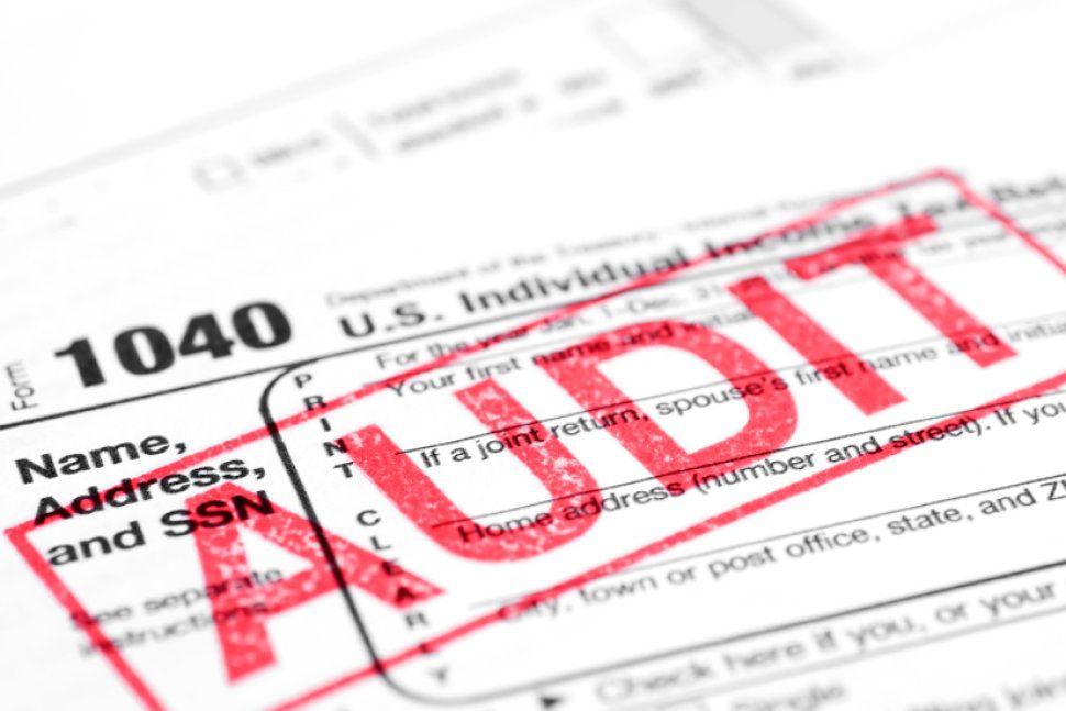 Si trabajas por cuenta propia y no pagas tu Seguro Social, el IRS te está observando!